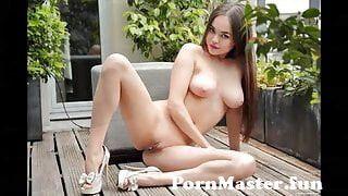 View Full Screen: potpurri of nudes 003.jpg